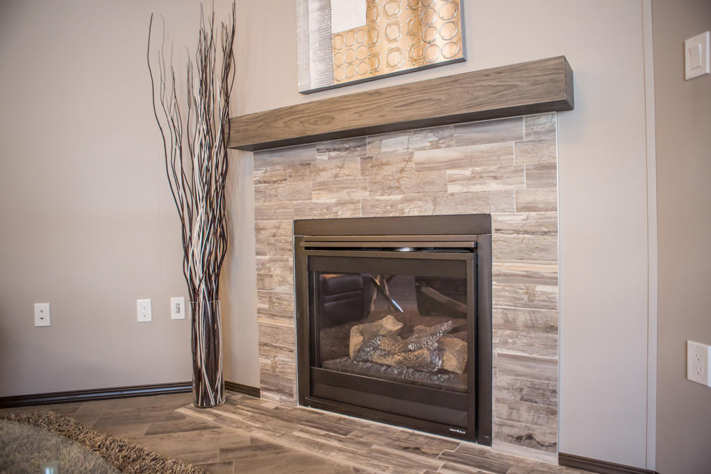 Rear Vent Gas Fireplace With Floating Mantel - Interior Accessories